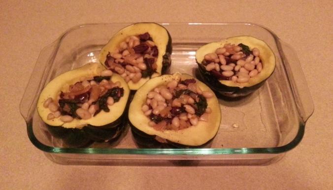 vegetarian stuvegetarian stuffed acorn squashffed acorn squash