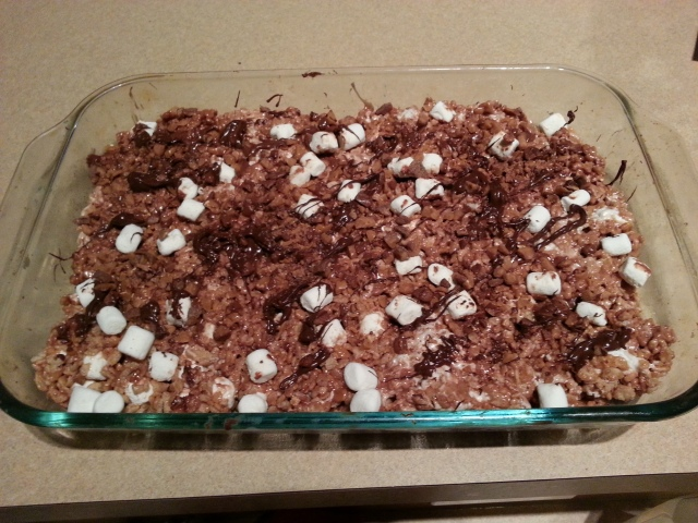 a sneak peek at my baking - nutella rice krispie treats!