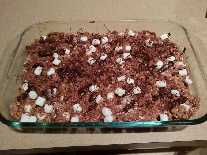 a sneak peek at my baking - nutella rice krispie treats!