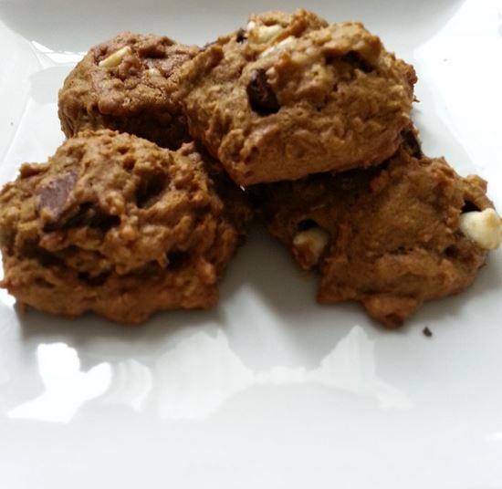 pumpkin triple chip oatmeal cookies - icrashedtheweb