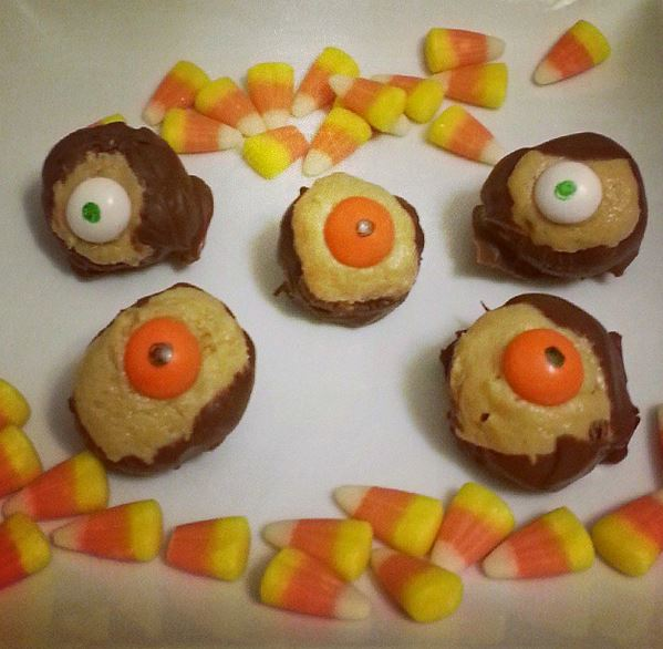Spooky Eyeball Halloween Candy Corn Buckeyes - i crashed the web