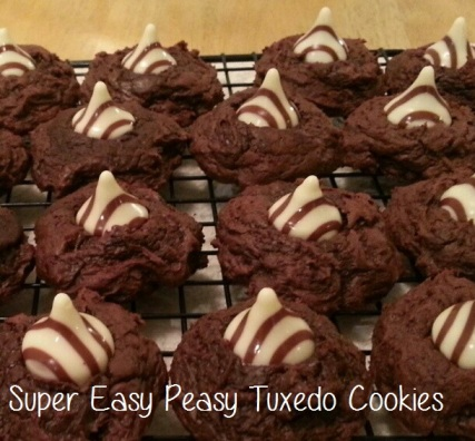 Super Easy Peasy Tuxedo Cookies - i crashed the web