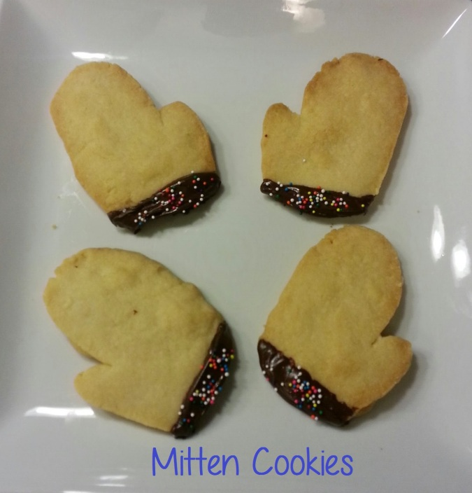 chocolate dipped mitten cookies - i crashed the web