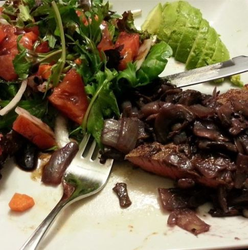 B made me steak with mushrooms, avocado and salad.