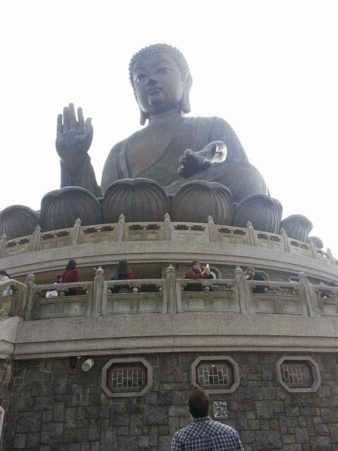 B looking at the Big Buddha