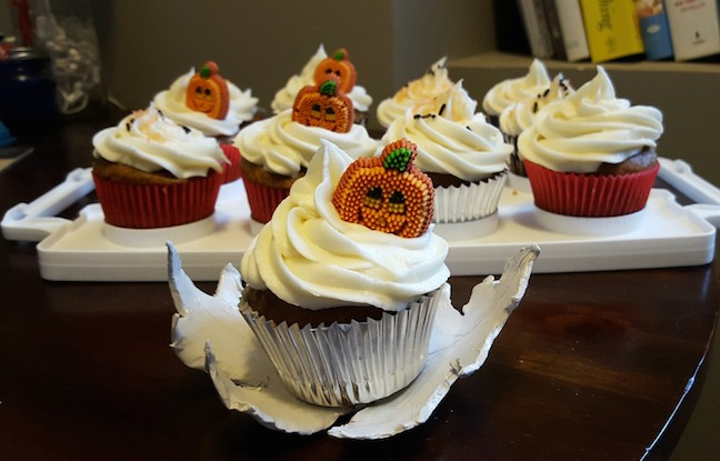 I made pumpkin cupcakes.