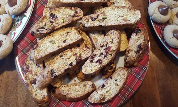 cranberry pistachio biscotti~icrashedtheweb